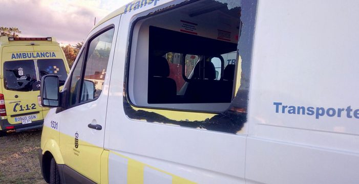 Un acto vandálico deja sin transporte sanitario a 33 pacientes del Norte e inutiliza la ambulancia del Teide