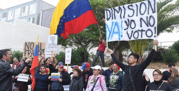 """La oposición se manifestó en Tenerife contra el """"fraude electoral"""" venezolano"""