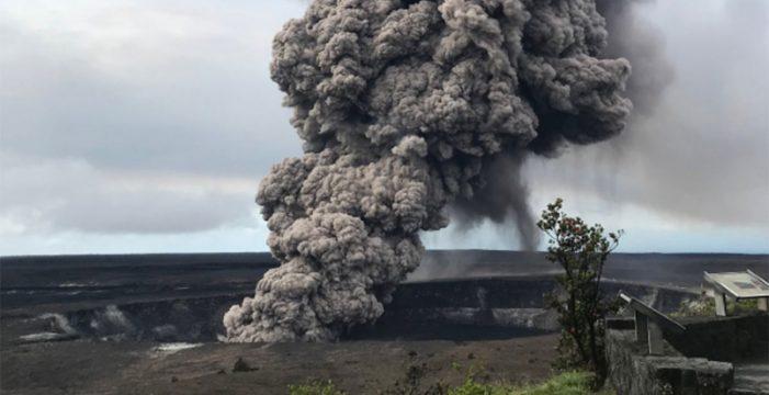 Erupción explosiva del volcán hawaiano Kilauea