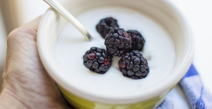 Relacionan el consumo de yogur desnatado con menos riesgo de sufrir cataratas