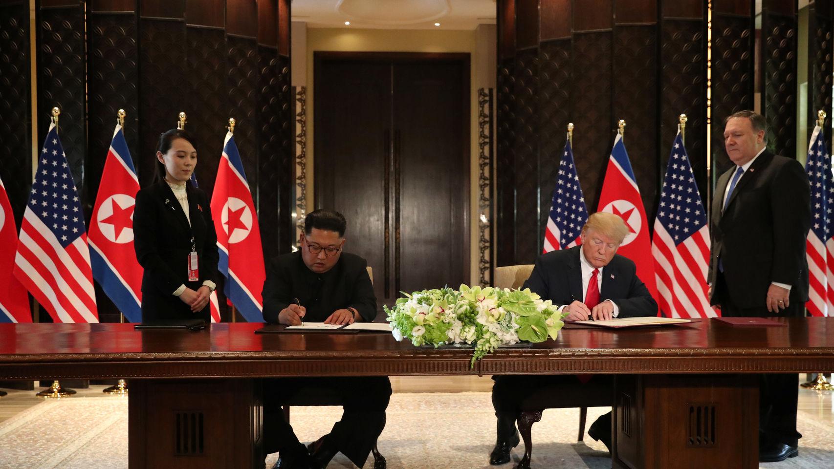 Kim Jong-Un y Donald Trump firman el acuerdo de desnuclearización de Corea del Norte