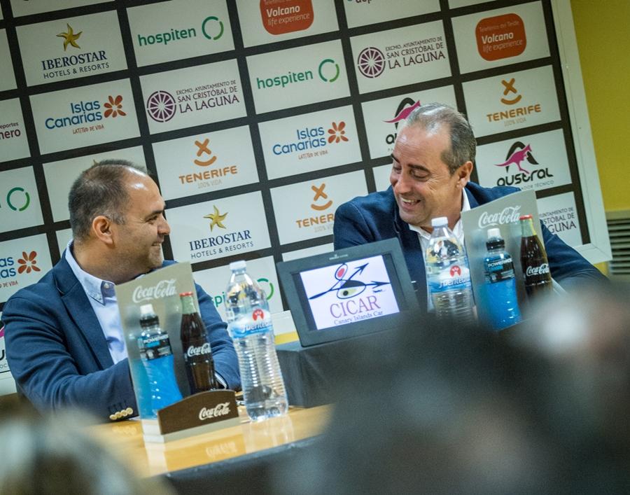 Aniano Cabrera, gerente y director deportivo canarista, y Txus Vidorreta volverán a unir sus caminos de cara a la próxima campaña. Andrés Gutiérrez