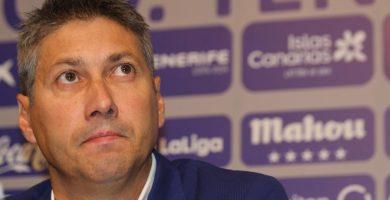 Alfonso Serrano, durante la rueda de prensa que ofreció ayer en el estadio. DA