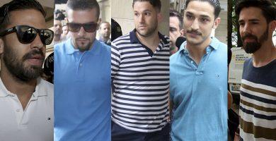 Los cinco integrantes de La Manada acuden a firmar a los juzgados tras su puesta en libertad