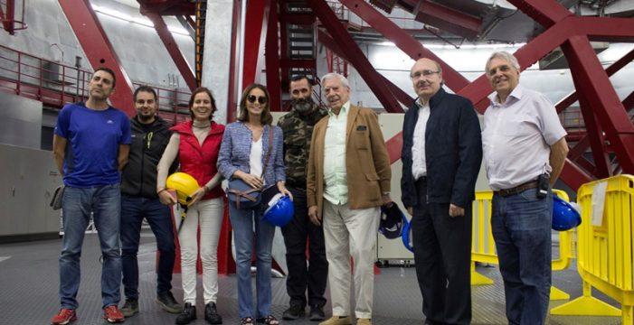 Vargas Llosa se asoma al mejor balcón del Universo