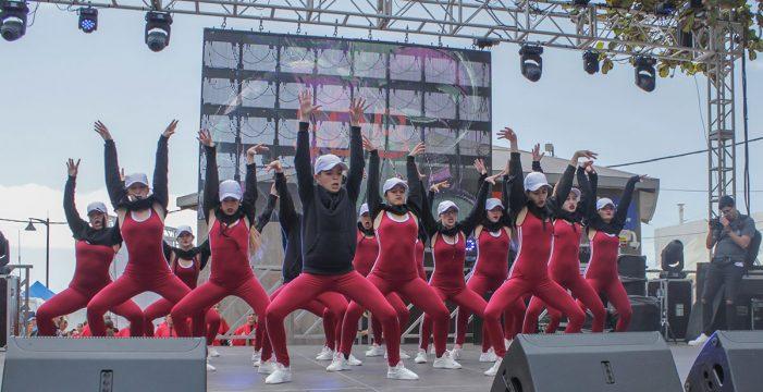 Arona en Colores reúne a más de 20.000 personas en Las Galletas