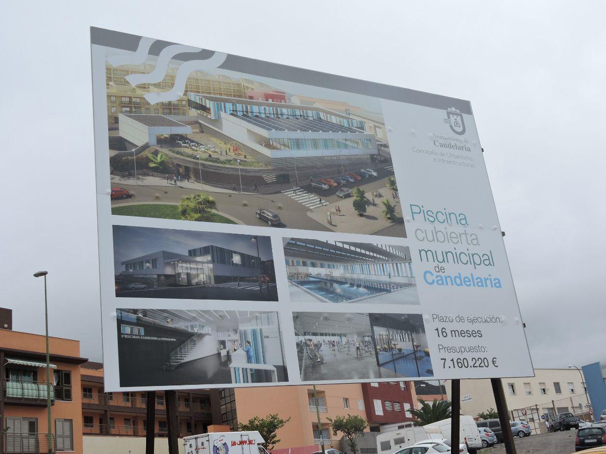 Cartel de las obras de la piscina de Candelaria