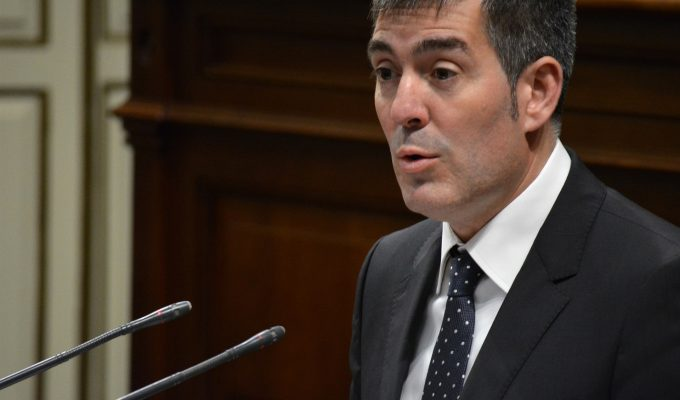 """Clavijo admite no estar satisfecho con la tasa de pobreza pero considera que Canarias va en el """"camino adecuado"""""""