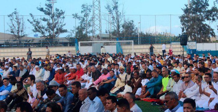 Más de 1.500 musulmanes celebran el fin del ramadán en Los Cristianos