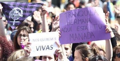 Cientos de personas claman en Canarias contra la impunidad judicial de los agresores sexuales