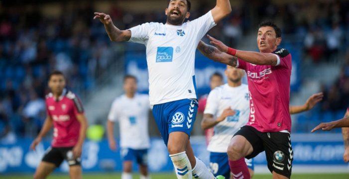 Tenerife y Albacete empatan un encuentro que contenta a ambos