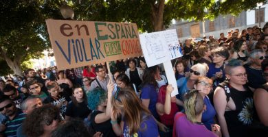 Cientos de personas se manifiestan por la puesta en libertad de La Manada