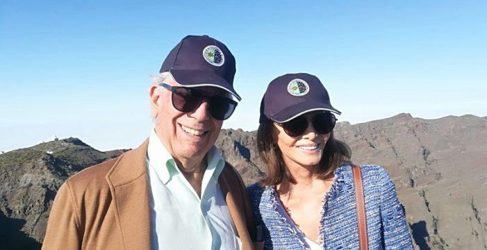Vargas Llosa e Isabel Preysler 'tocan el cielo' en el Roque de Los Muchachos