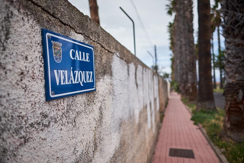 La calle Velázquez se encuentra en la urbanización San Nicolás, junto con otros pintores españoles. Andrés Gutiérrez