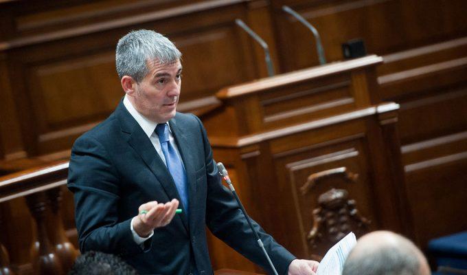 Clavijo pide una reunión urgente a Sánchez ante una posible crisis migratoria