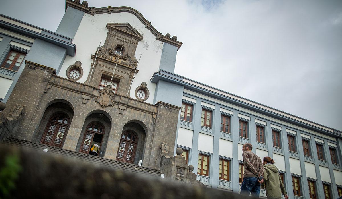 La ULL se ha comprometido a revisar y mejorar el protocolo contra el acoso sexual y sexista. A. Gutiérrez