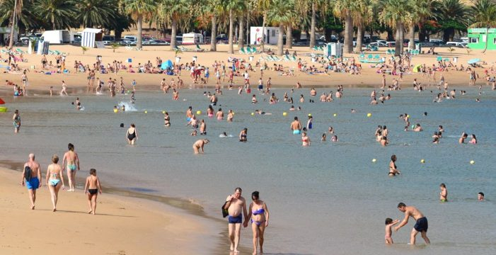 Comienza la cuenta atrás para que los kioscos retornen a la playa de Las Teresitas