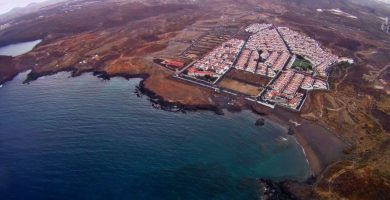 Vista aérea de Abades, una urbanización sin acabar por sus promotores. DA