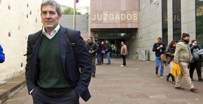 Clavijo se hace representar en el caso Grúas por el hijo de la fiscal jefe de Santa Cruz de Tenerife