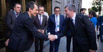 El ministro de Ciencia, Innovación y Universidades, Pedro Duque, acudió a la presentación en Madrid del proyecto 'Canarias Geo Innovation Program 2030'.   DA