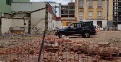Calculan que en 2 semanas se retirarán todos los escombros ocasionados por el derribo del número 23 de Puerta Canseco. | DA