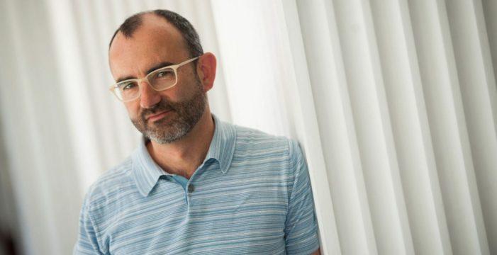 """Rafael Santandreu, psicólogo: """"Lo único que se necesita para ser feliz es el agua y la comida"""""""