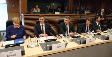 """Sánchez dice que buscará apoyos en la UE para """"controlar mejor"""" los flujos migratorios"""