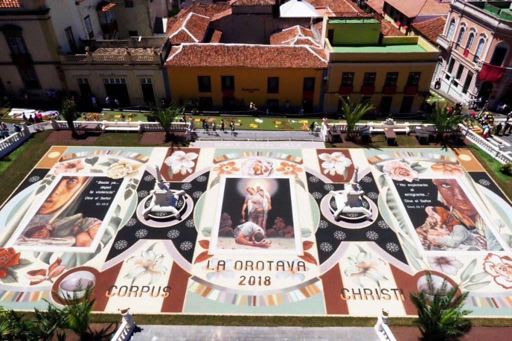 Alfombra de la plaza del Ayuntamiento. | Foto: Sergio Méndez