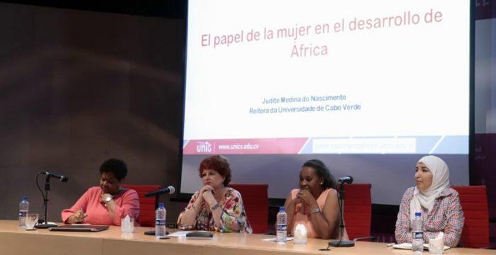 La salud y la educación femenina, los retos que afronta el continente africano