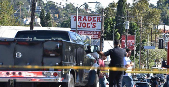 Al menos un muerto después de que un joven se atrincherara en una tienda tras disparar a su abuela y a su novia
