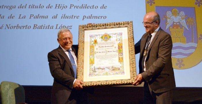 La Isla rinde homenaje a Norberto Batista por su lucha contra el cáncer