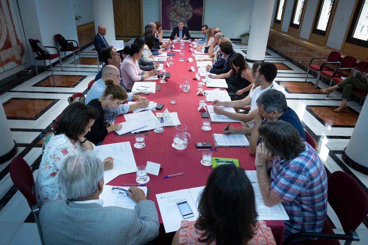Reunión del pleno del Observatorio del Cambio Climático, celebrado ayer en Gran Canaria. DA