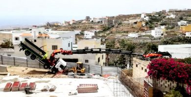 Vuelco de grúa en Arico. | DA
