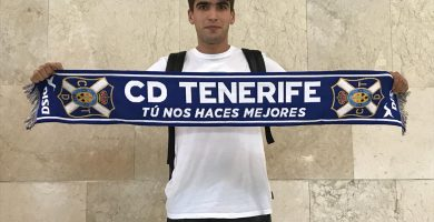 Iker Undabarrena, a su llegada a Tenerife. / DA