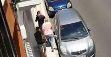 El espeluznante vídeo del intento de robo a plena luz del día y en el corazón de Santa Cruz