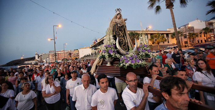 Candelaria, sin permiso, no pudo embarcar a la Virgen del Carmen