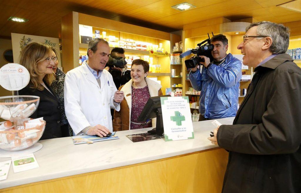 La principal ventaja que se encuentra el usuario de la receta electrónica interoperable es la garantía de recoger todos sus medicamentos en cualquier oficina de farmacia, independientemente de la Comunidad Autónoma donde se hayan prescrito. | EP