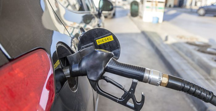 El uso de automóviles diésel quedará prohibido en España en 2025, según Oliver Wyman