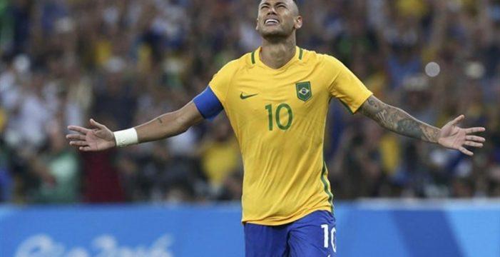La llegada rodando de Neymar a Brasil, el 'meme' más celebrado del Mundial