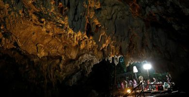 Localizado con vida el equipo de jóvenes futbolistas desaparecidos hace más de una semana en una cueva de Tailandia