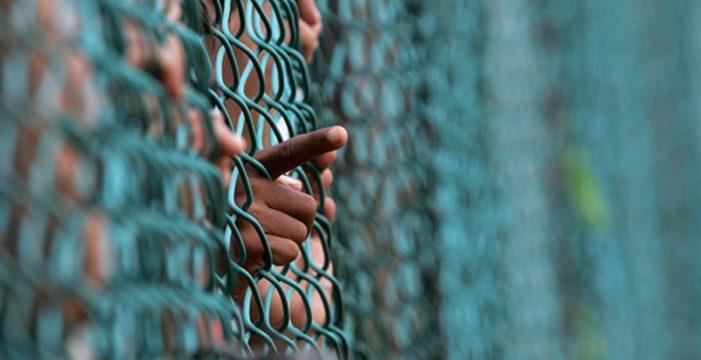 """Superviviente del Holocausto critica el encarcelamiento de menores inmigrantes en Israel, una práctica """"nazi"""""""
