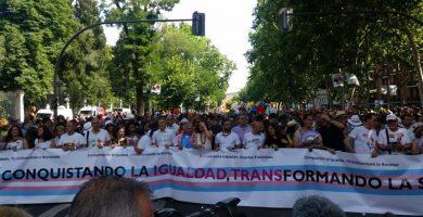 Arranca la multitudinaria manifestación del Orgullo LGTBI en Madrid