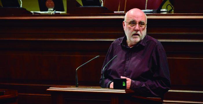 Acusan al Gobierno canario de permitir irregularidades entre los forenses