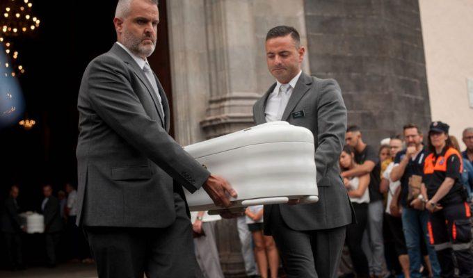 Último adiós a las víctimas de la tragedia familiar en La Orotava