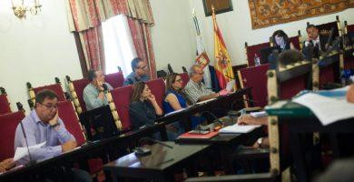 La oposición ensaya la censura en La Laguna acorralando al alcalde Díaz (CC) en el pleno