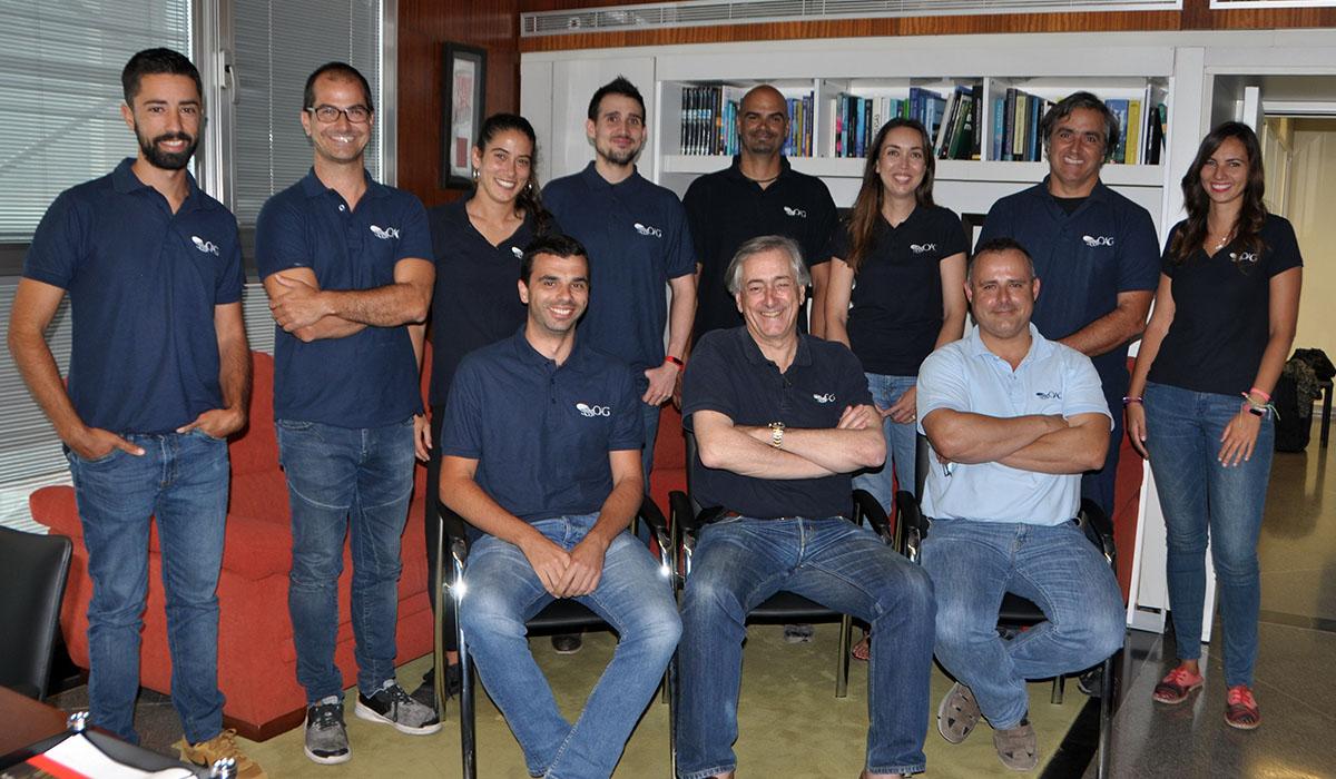 Antonio Machado Carrillo se despidió el pasado viernes con una foto con todo el equipo del OAG. DA