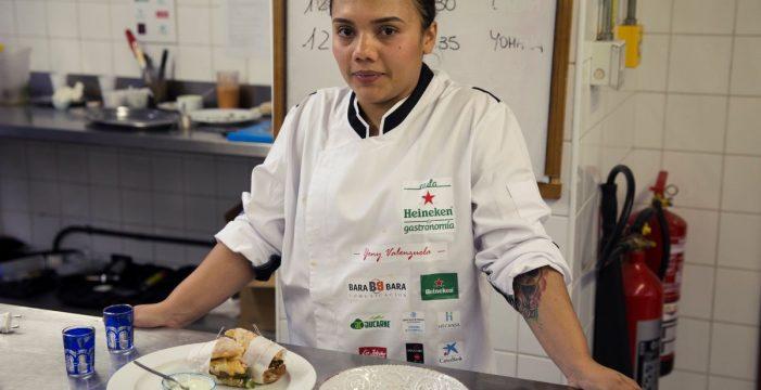 Yeni Valenzuela, de Hecansa, ganadora de la II Aula Heineken
