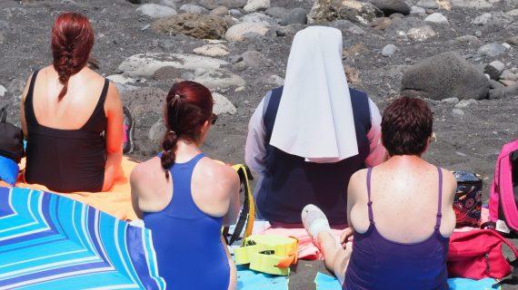 Suben las temperaturas y comienza la 'peregrinación' veraniega a las playas