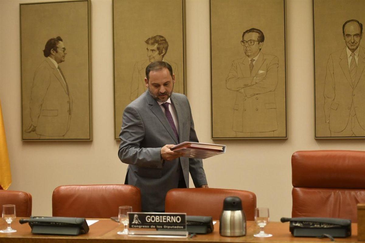 El ministro de Fomento, ayer, durante su comparecencia en el Congreso. Europa Press
