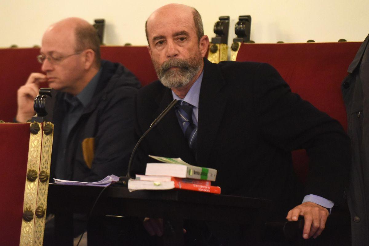 El portavoz de XTF-NC, Santiago Pérez, en un pleno anterior. S. Méndez
